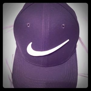 Nike Fitted Hat (Not Adjustable)